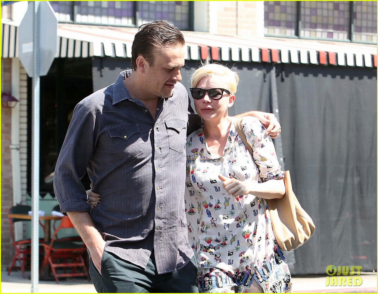 michelle williams jason segel lunch in los feliz 042705479