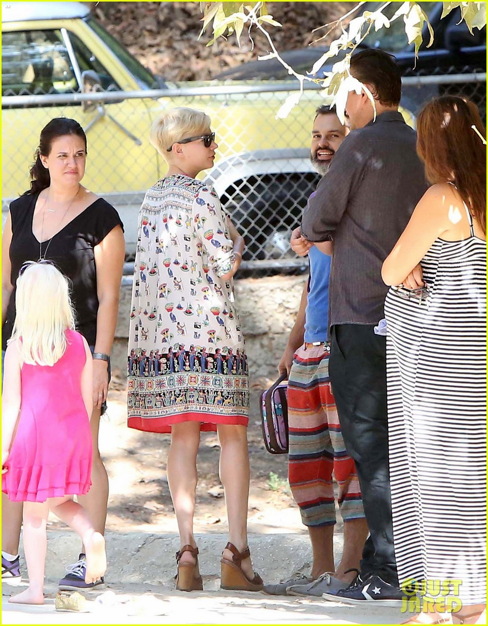 michelle williams jason segel lunch in los feliz 10