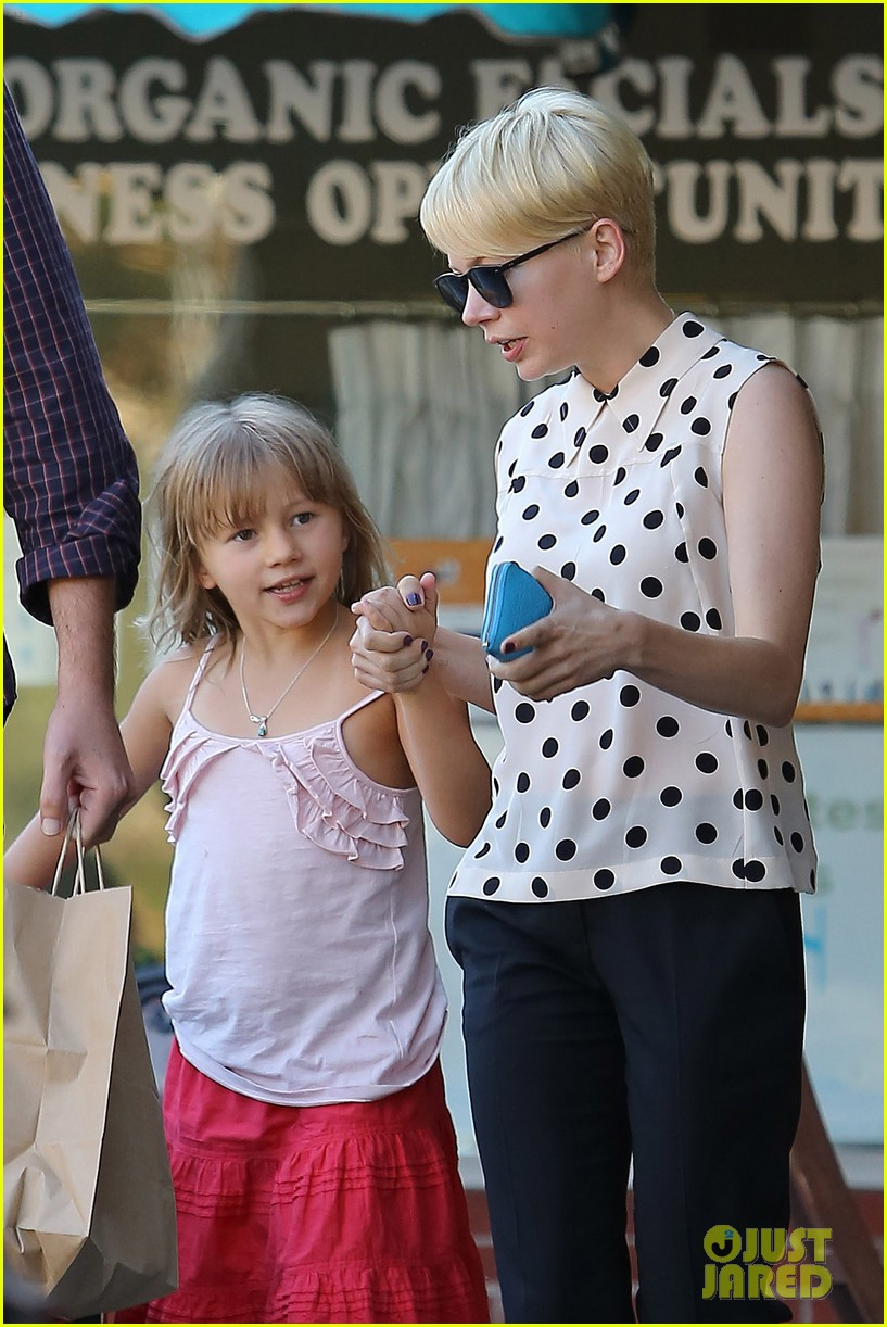 michelle williams jason segel ice cream with matilda 02
