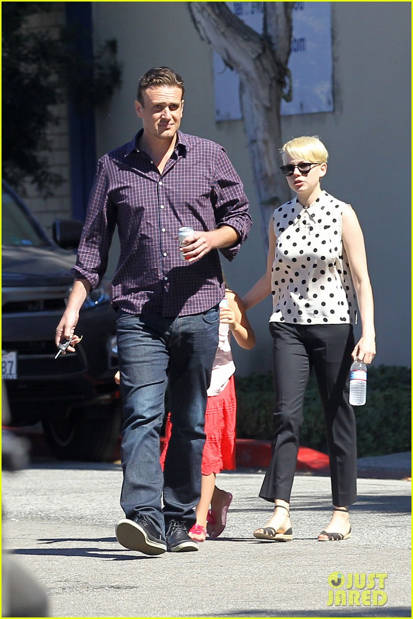 michelle williams jason segel ice cream with matilda 06