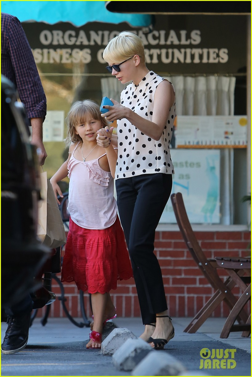 michelle williams jason segel ice cream with matilda 12