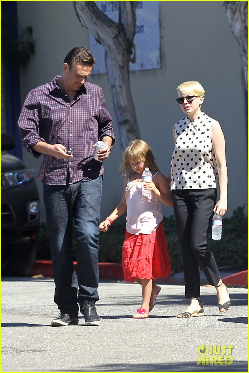 michelle williams jason segel ice cream with matilda 132709605