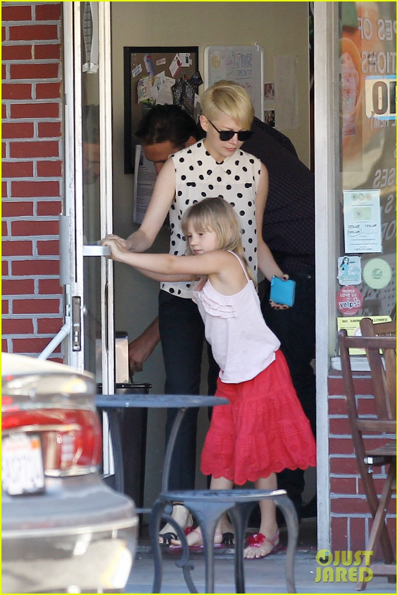 michelle williams jason segel ice cream with matilda 142709606