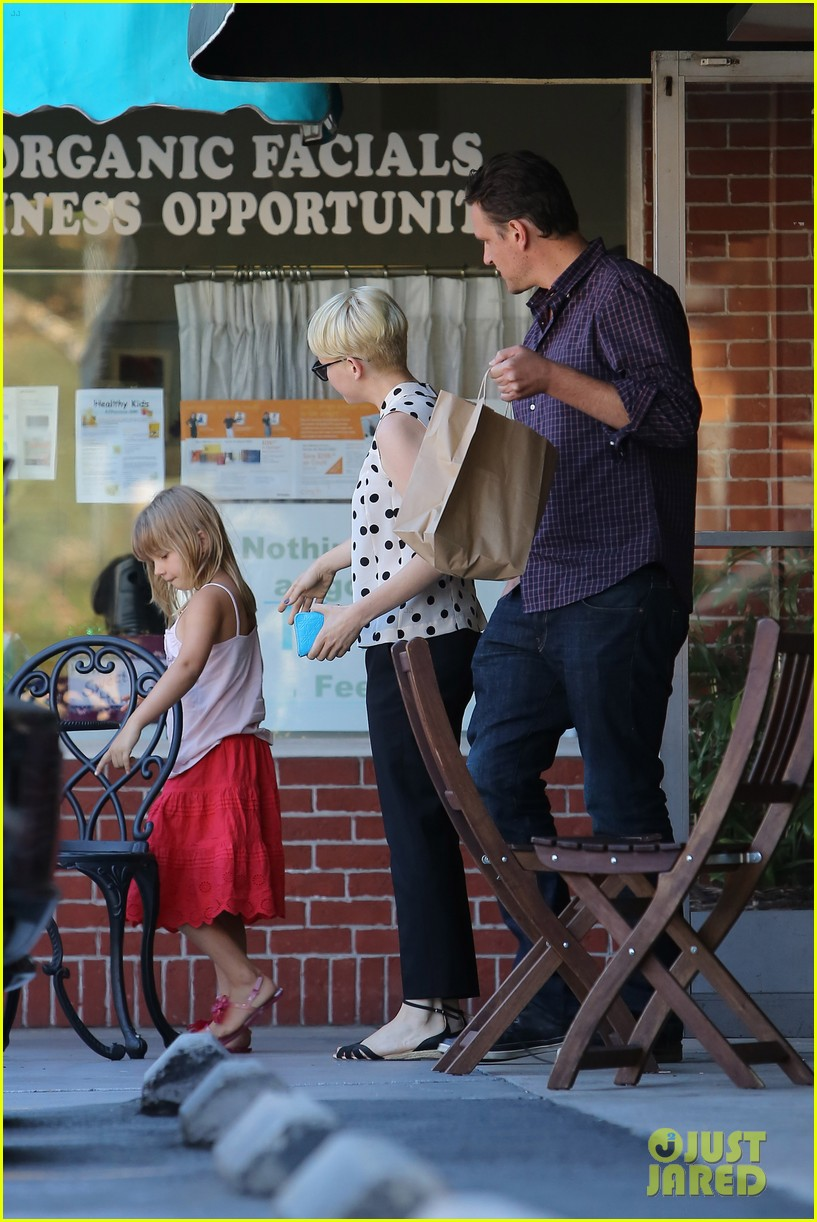 michelle williams jason segel ice cream with matilda 182709610