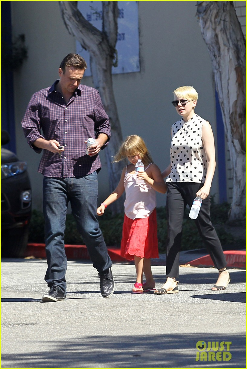 michelle williams jason segel ice cream with matilda 19