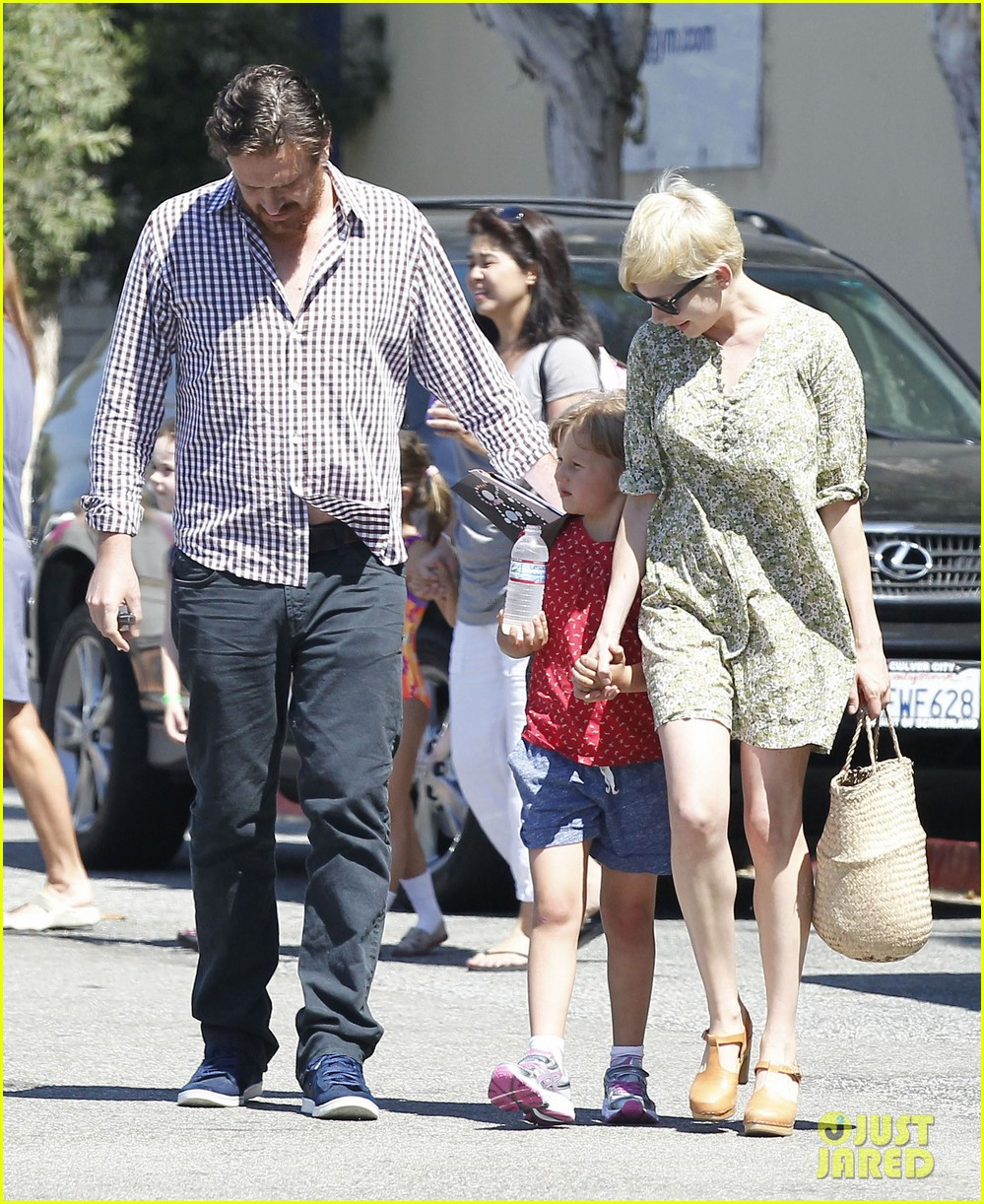 michelle williams jason segel matilda pick up 062697913
