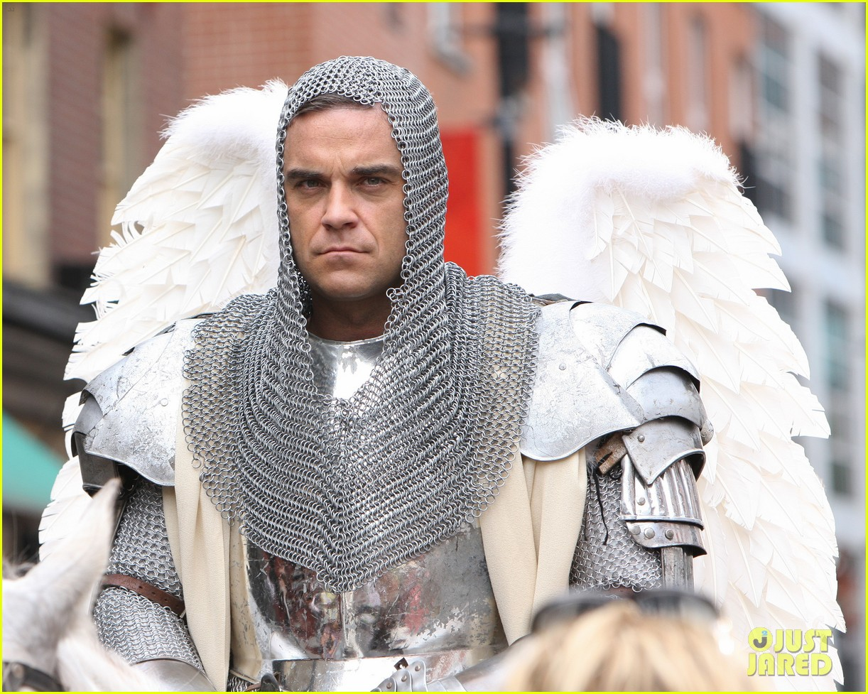 robbie williams new music video 032704893