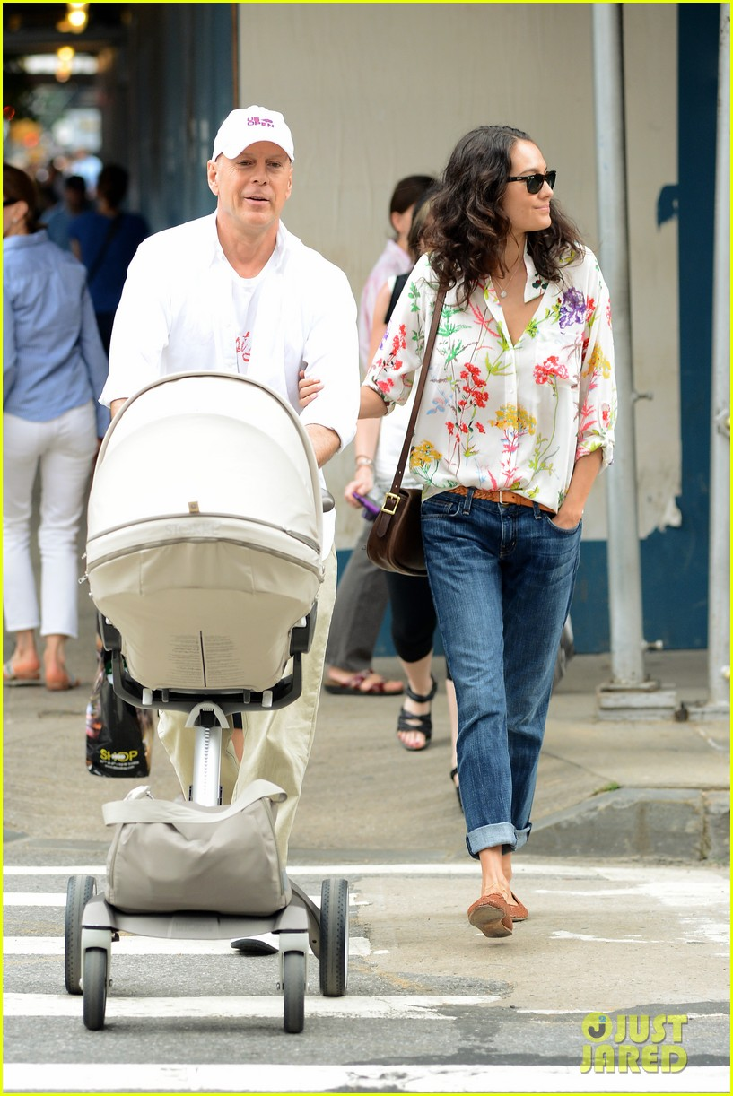 bruce willis emma heming shopping with baby mabel 082707187