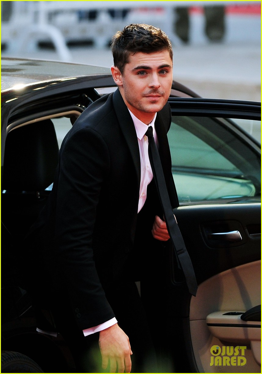 zac efron at any price venice premiere 152711920