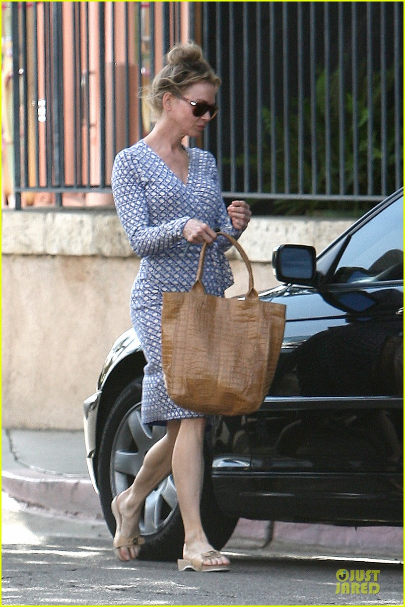 renee zellweger dress casual 052704213