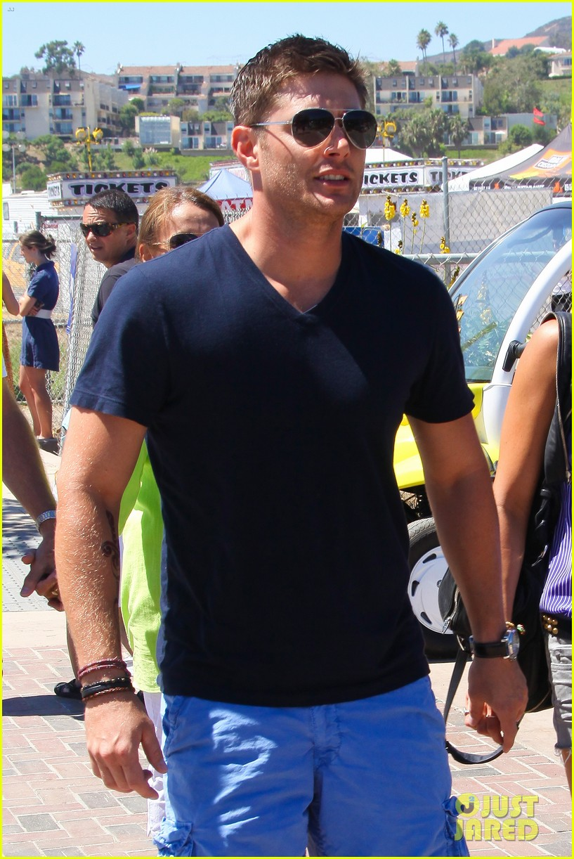 jensen ackles malibu chili cook off with danneel 02