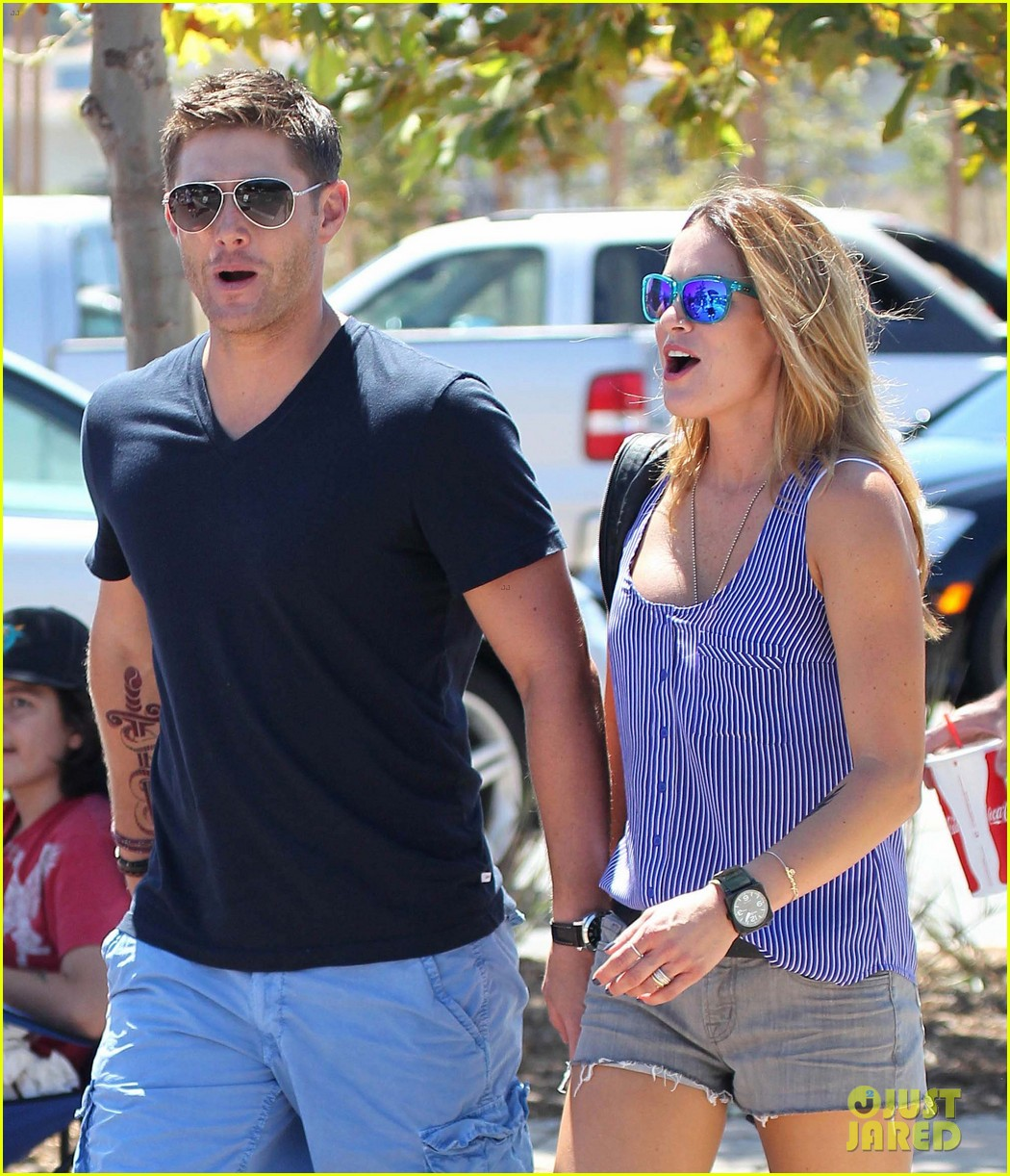 jensen ackles malibu chili cook off with danneel 042713244