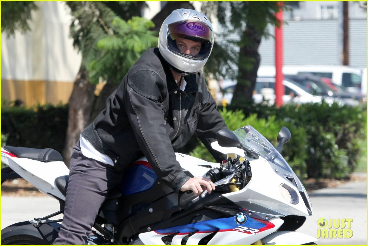 ben affleck culver city motorcycle man 022729886