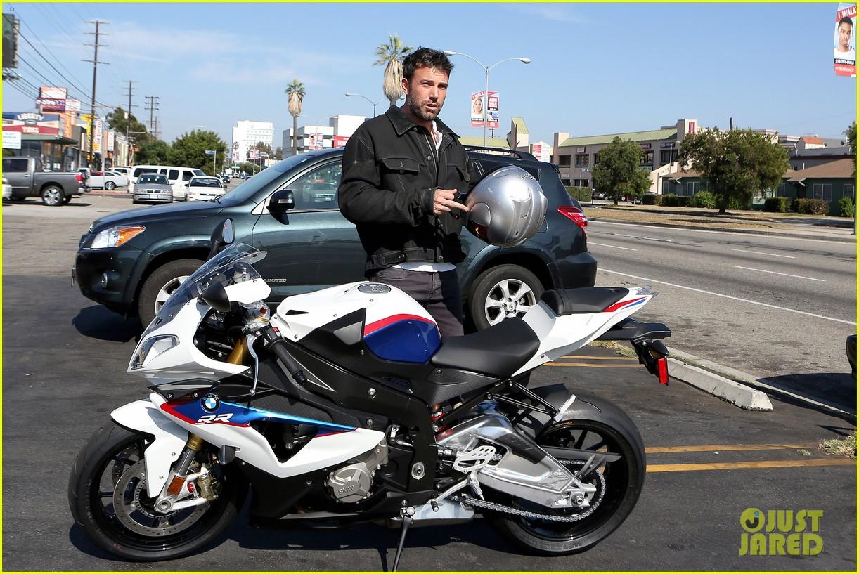 ben affleck culver city motorcycle man 042729888