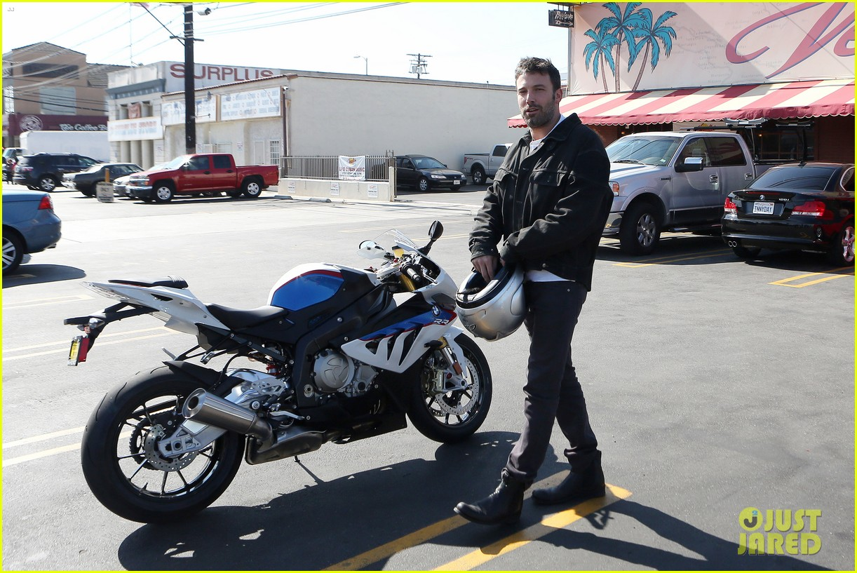 ben affleck culver city motorcycle man 082729892