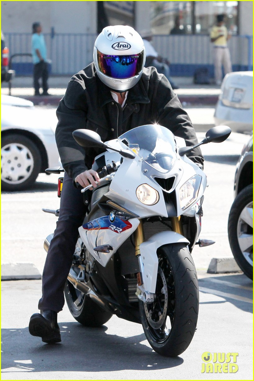 Full Sized Photo Of Ben Affleck Culver City Motorcycle Man