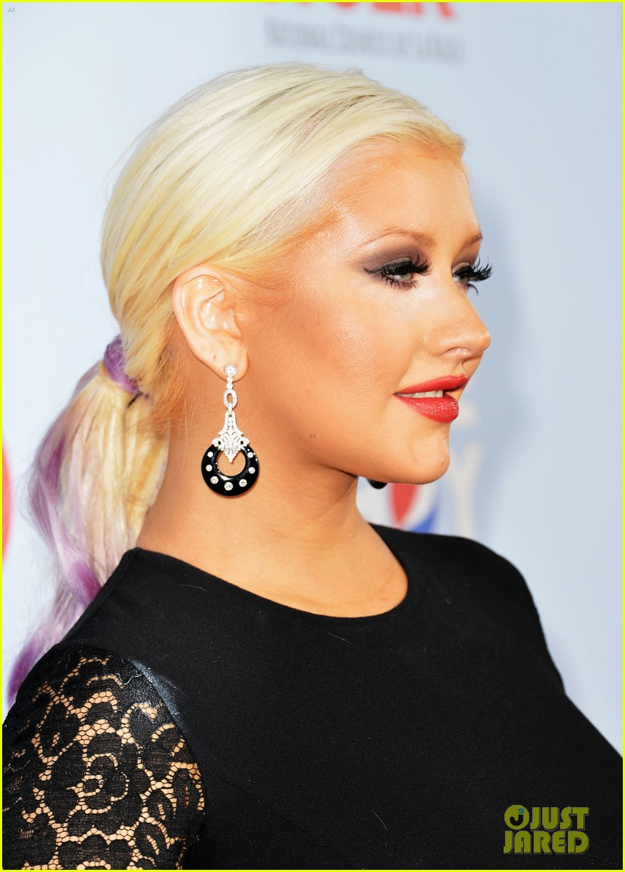 aguilera alma awards 03