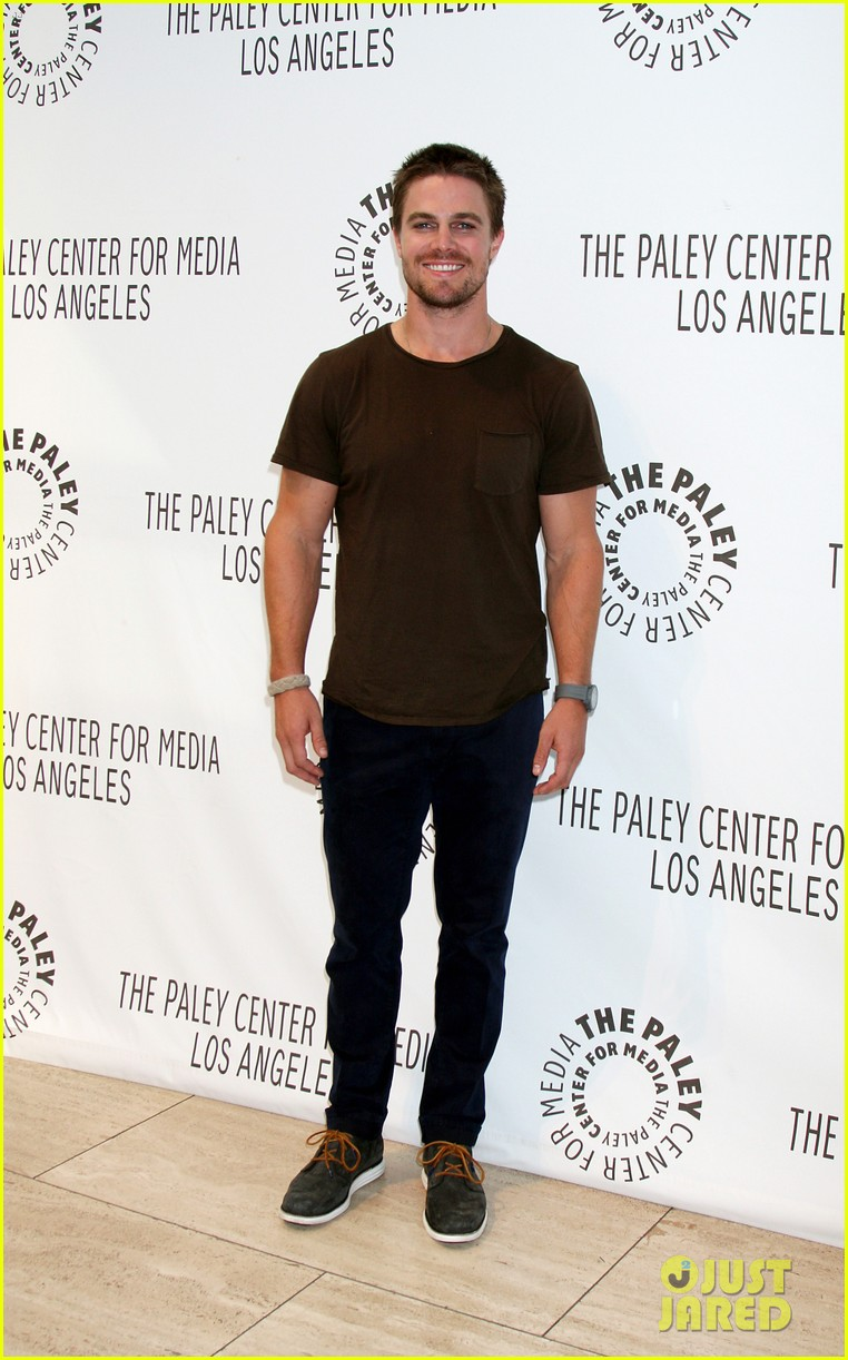 stephen amell arrow screening at paley center 012718321