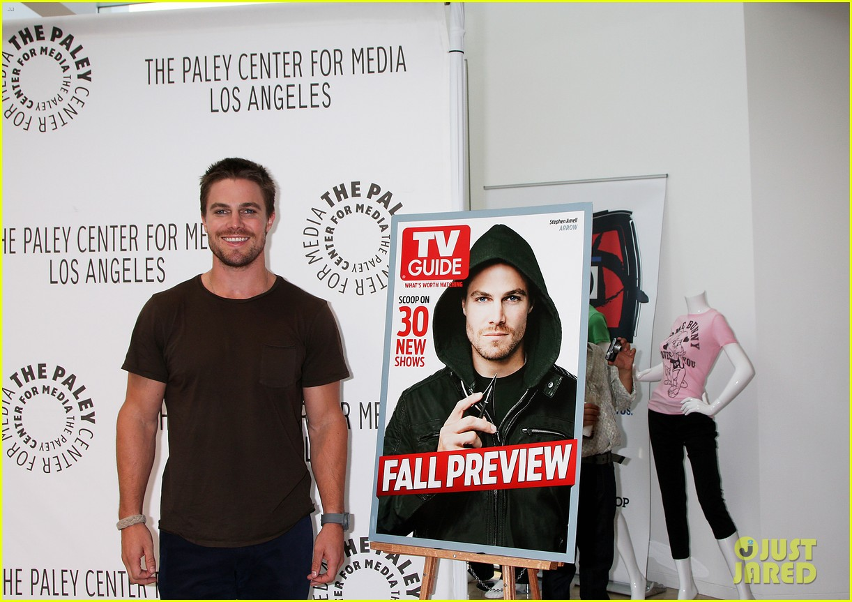 stephen amell arrow screening at paley center 042718324