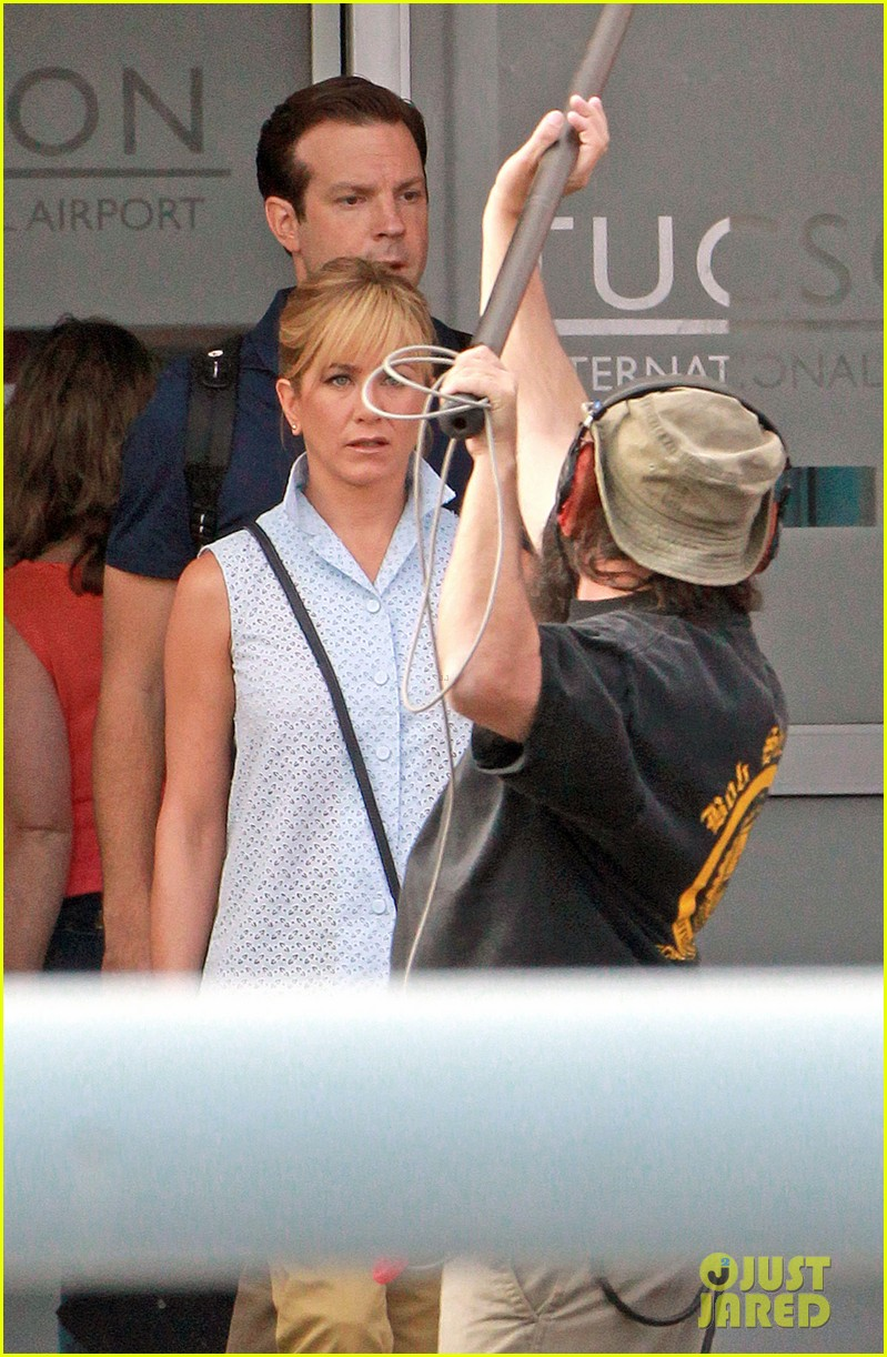 jennifer aniston emma roberts were the millers set 02