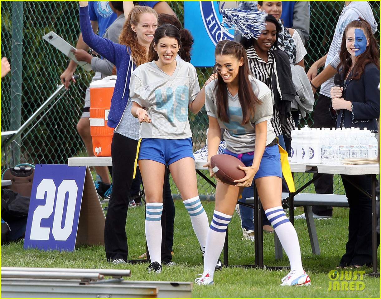 annalynne mccord 90210 football game 042729332