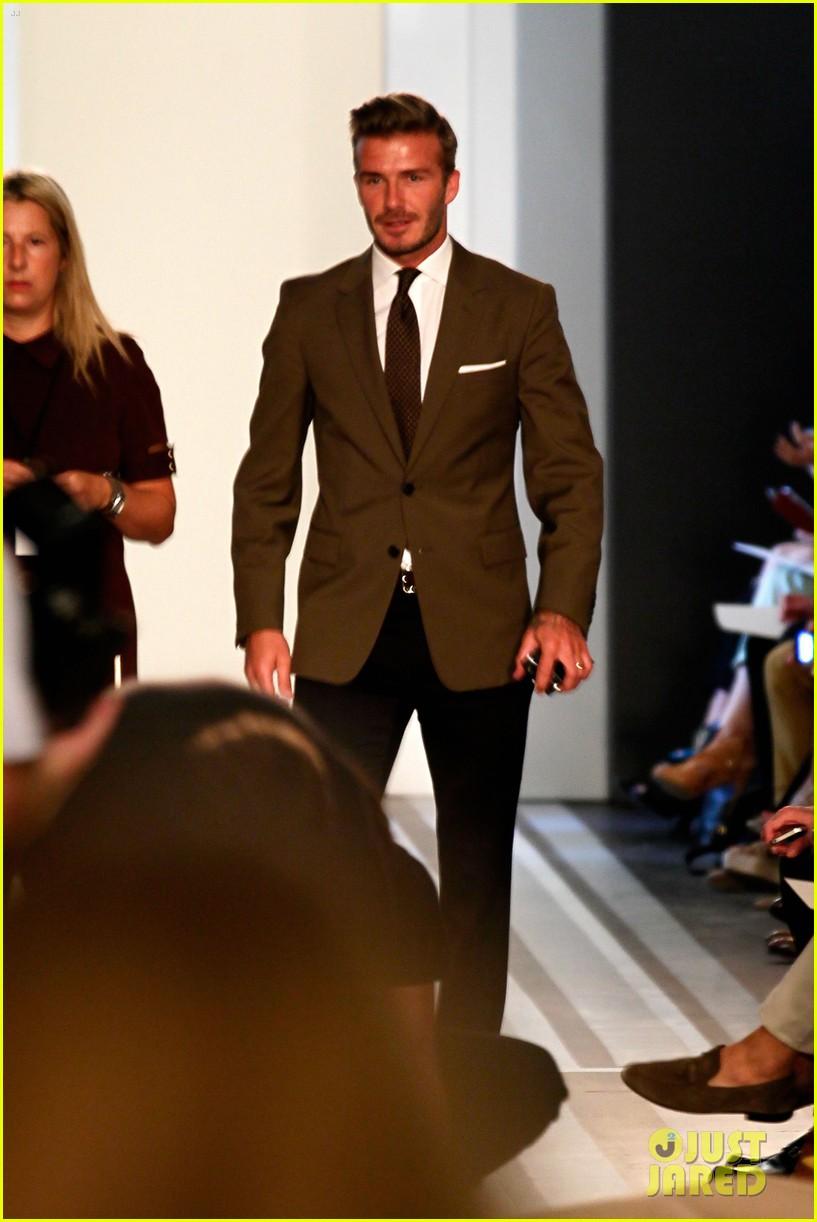 victoria beckham shows line fashion week 062717983