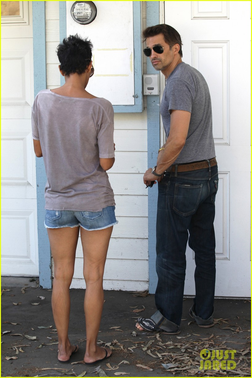 halle berry olivier martinez house hunting in malibu 032730596