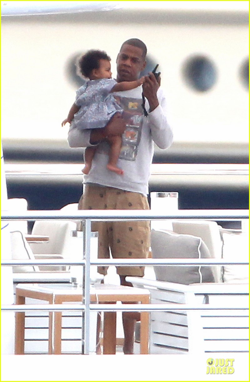 beyonce jayz yacht vacation france 052714306