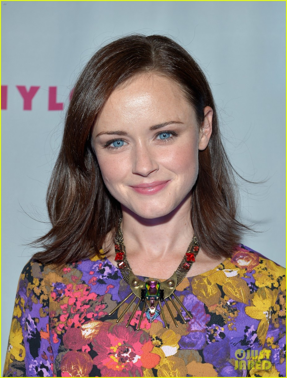 alexis bledel lucy hale nylon tv issue launch party 08