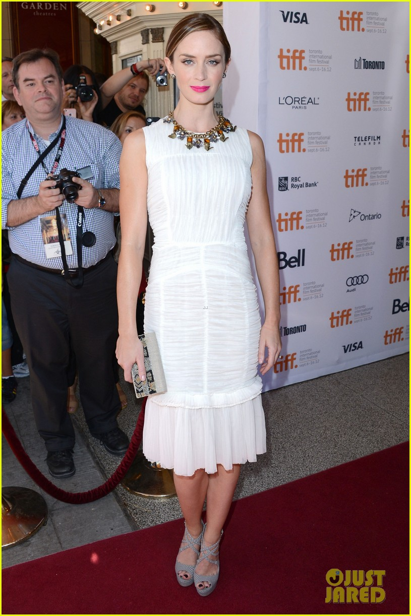 emily blunt arthur newman tiff premiere with colin firth 012718721