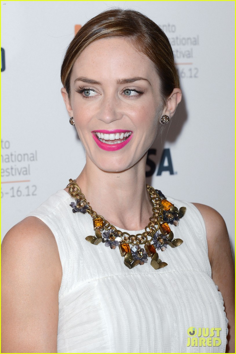 emily blunt arthur newman tiff premiere with colin firth 022718722