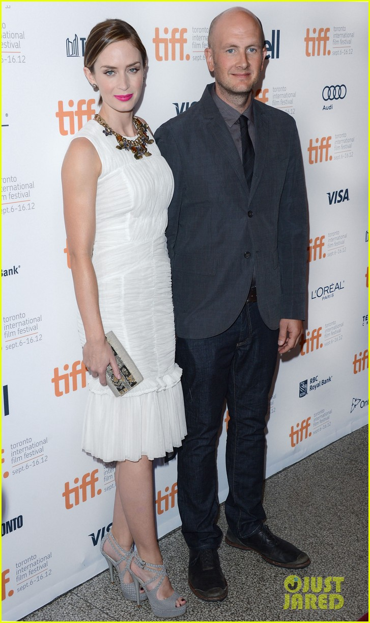 emily blunt arthur newman tiff premiere with colin firth 12