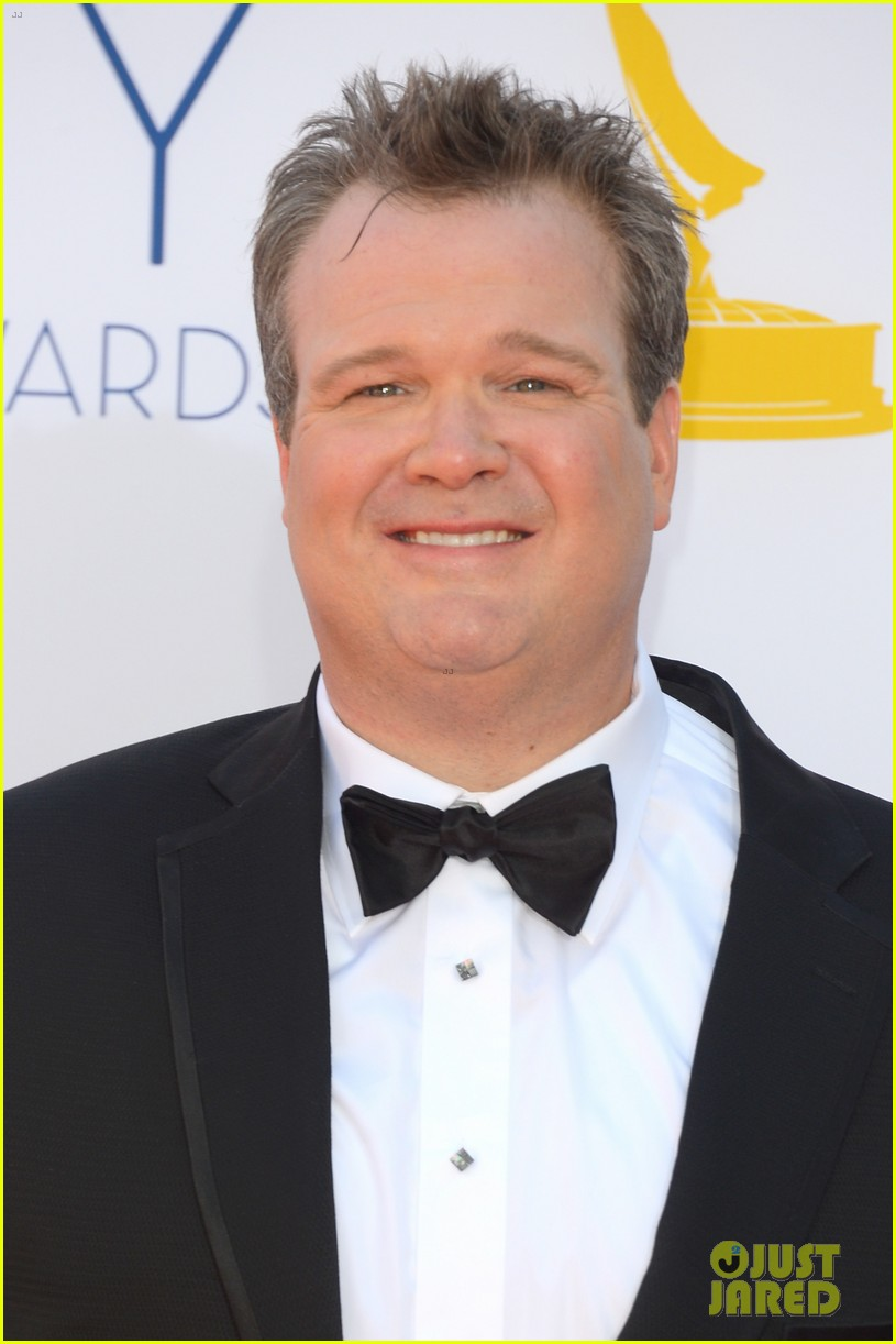 julie bowen eric stonestreet win emmys for modern family 042727291