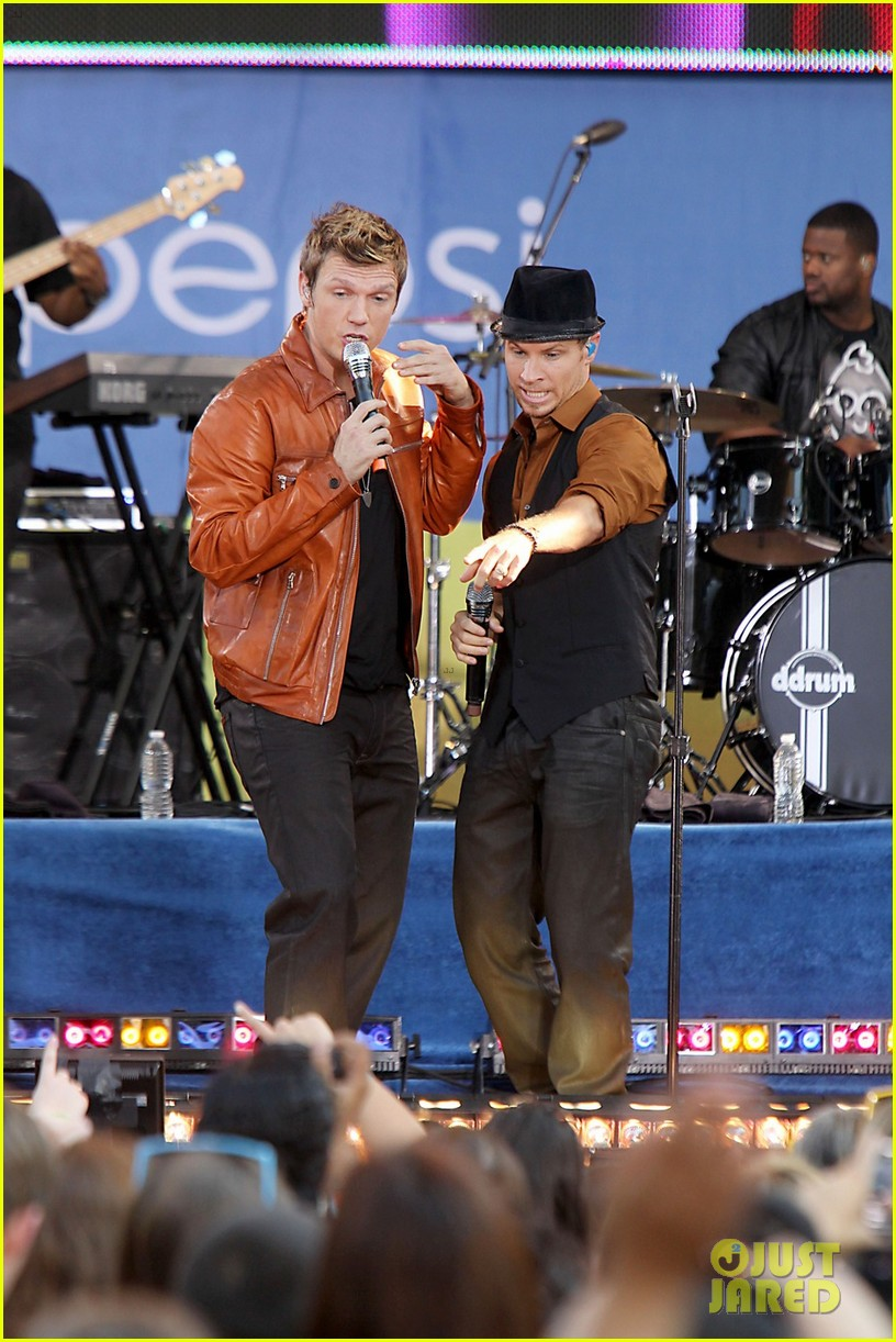 backstreet boys reunite for good morning america performance 022712318