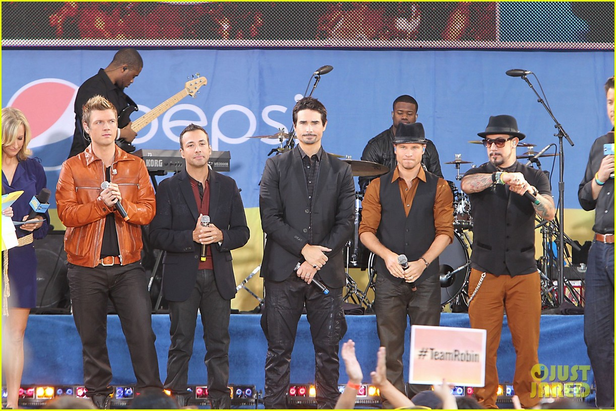 backstreet boys reunite for good morning america performance 03