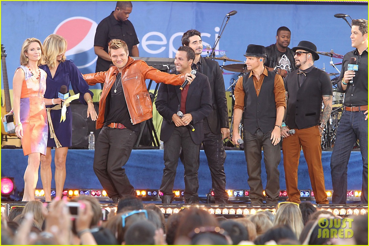 backstreet boys reunite for good morning america performance 052712321
