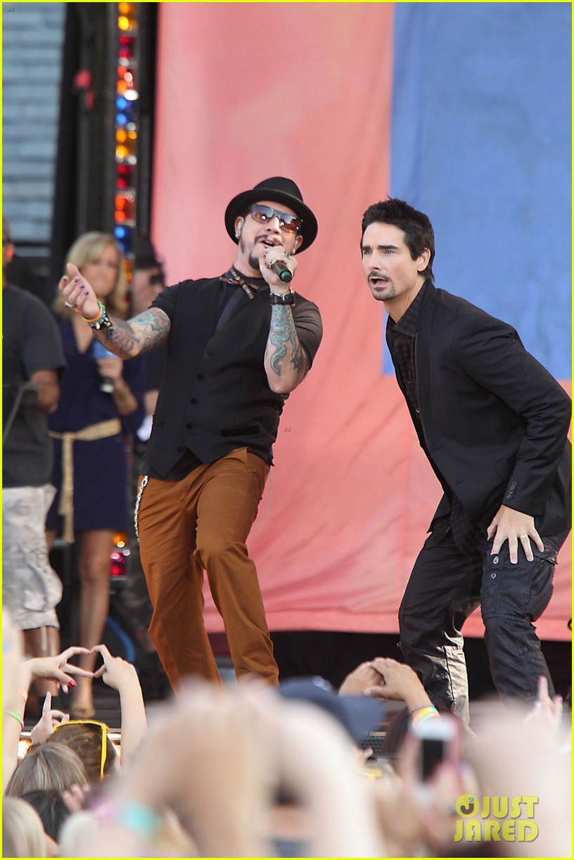 backstreet boys reunite for good morning america performance 062712322