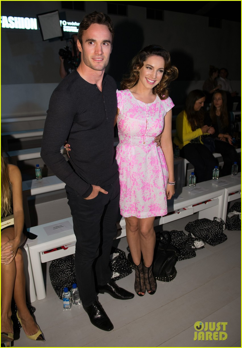 kelly brook london fashion week with thom evans 022722729