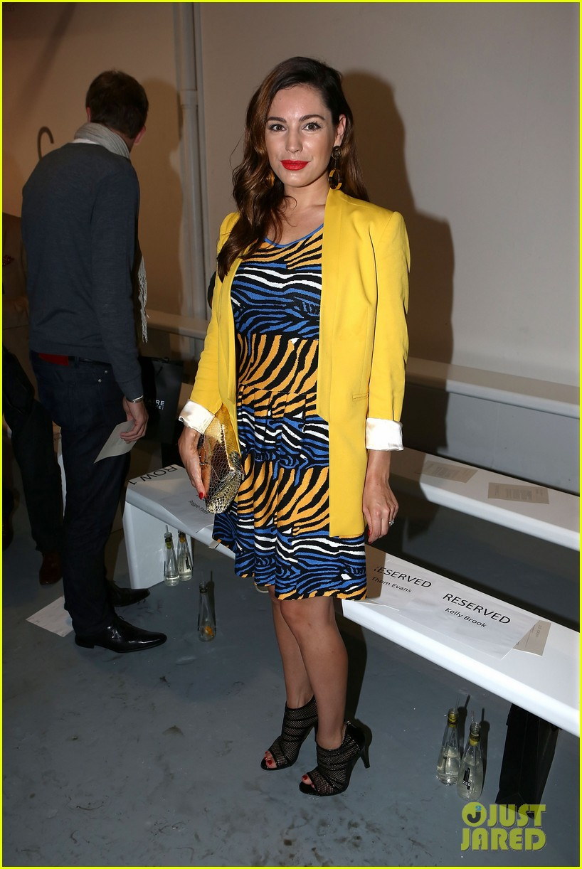 kelly brook london fashion week with thom evans 032722730