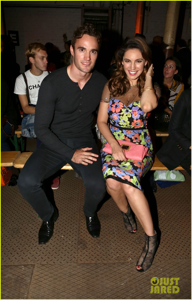 kelly brook london fashion week with thom evans 042722731