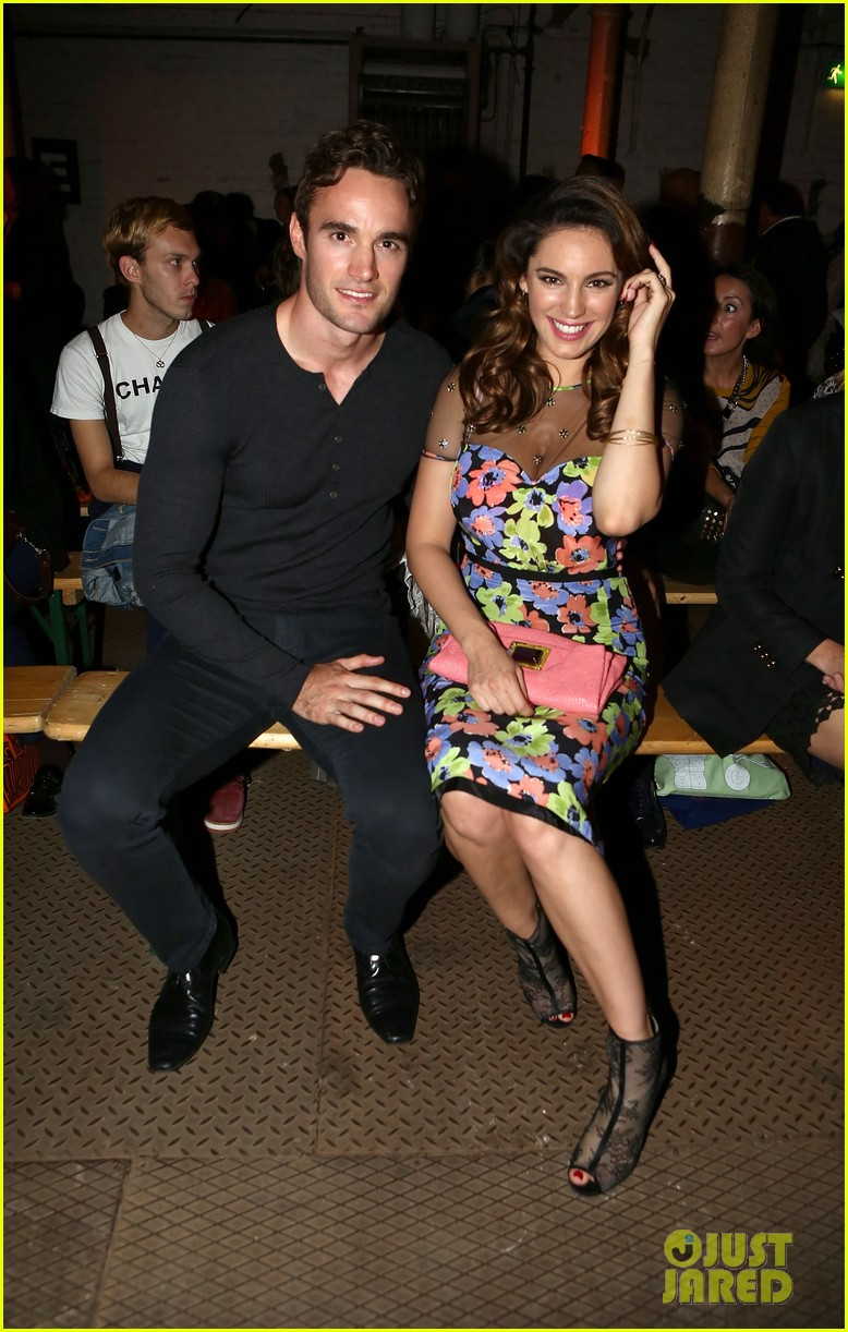 kelly brook london fashion week with thom evans 202722747