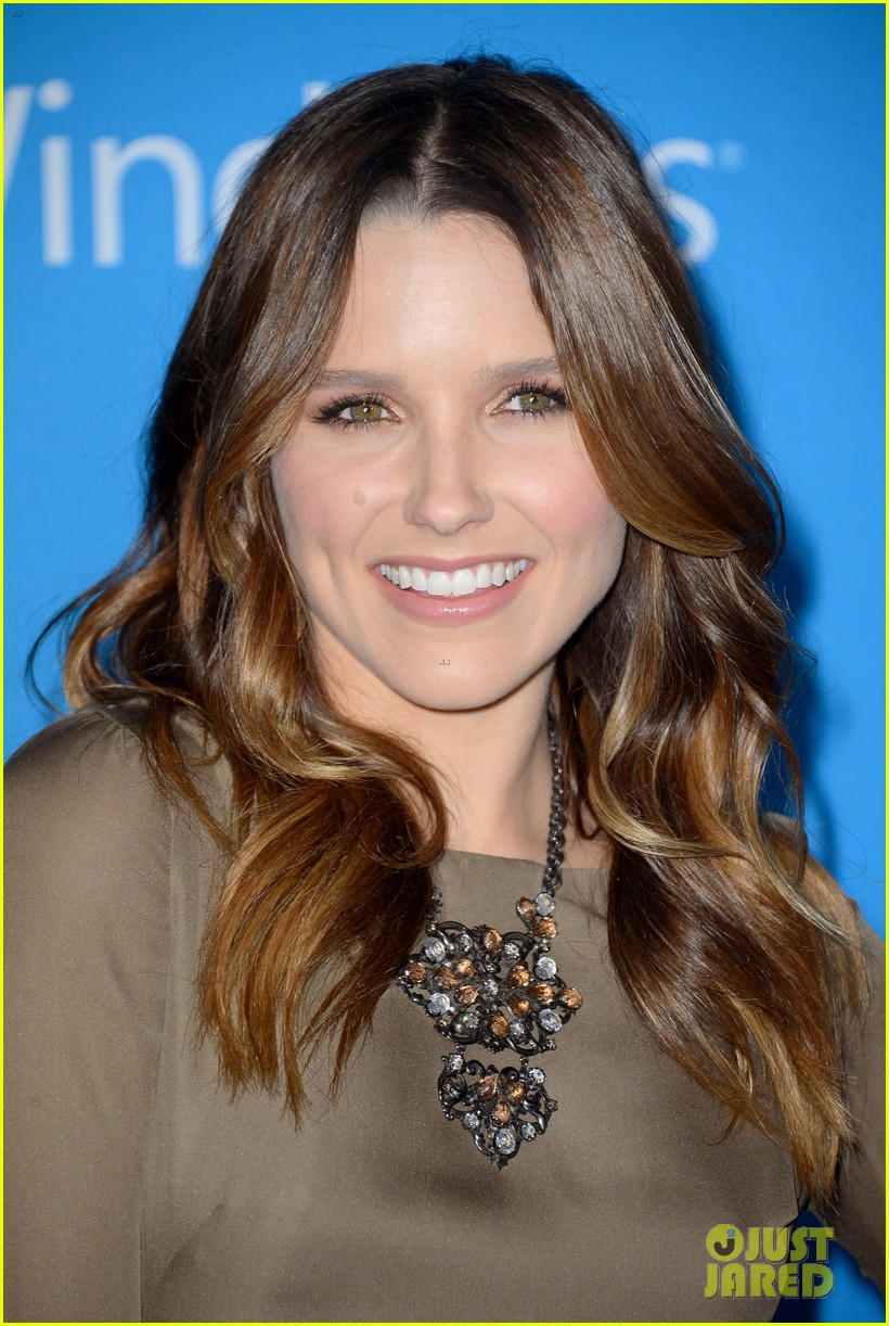 sophia bush brandon routh cbs fall 2012 premiere party 05