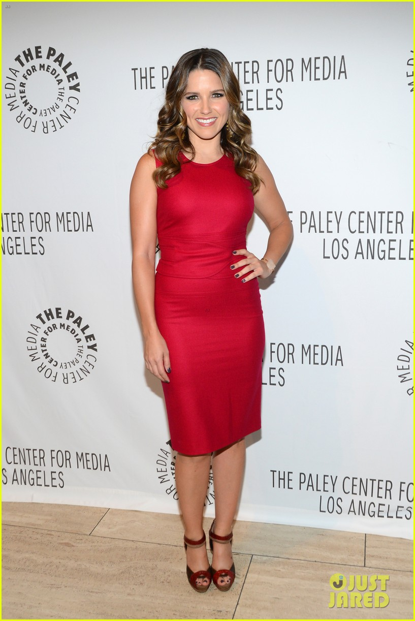 sophia bush paleyfest with partners cast 02