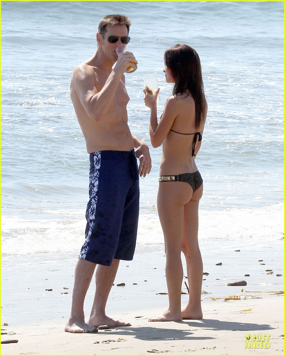jim carrey shirtless 012723024