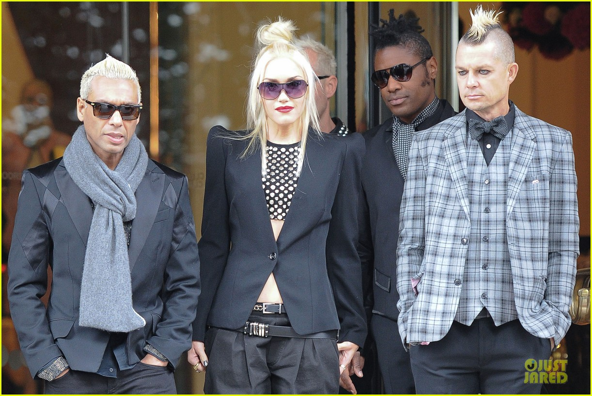 gwen stefani it was just chaos recording with my children 022729197