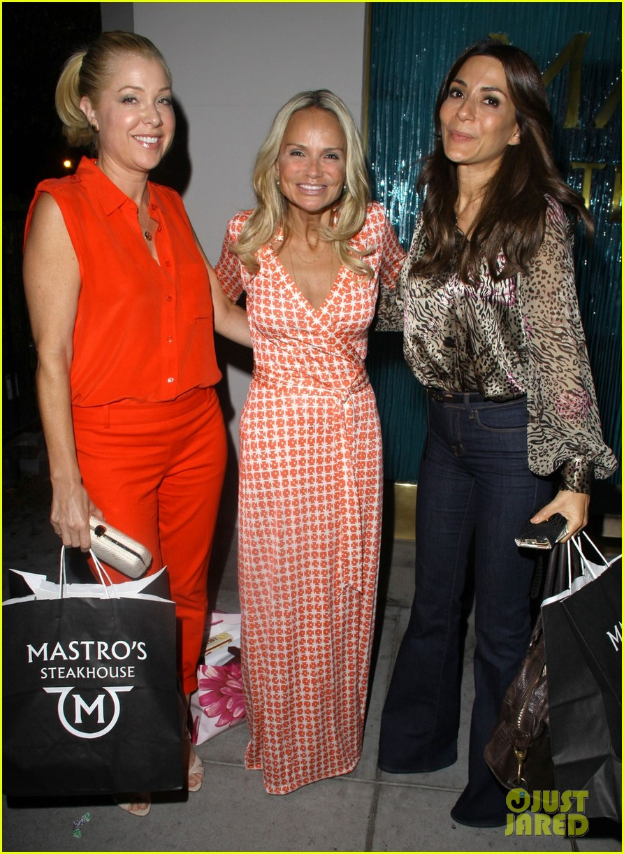kristin chenoweth mastros dinner with gcb ladies 052727738