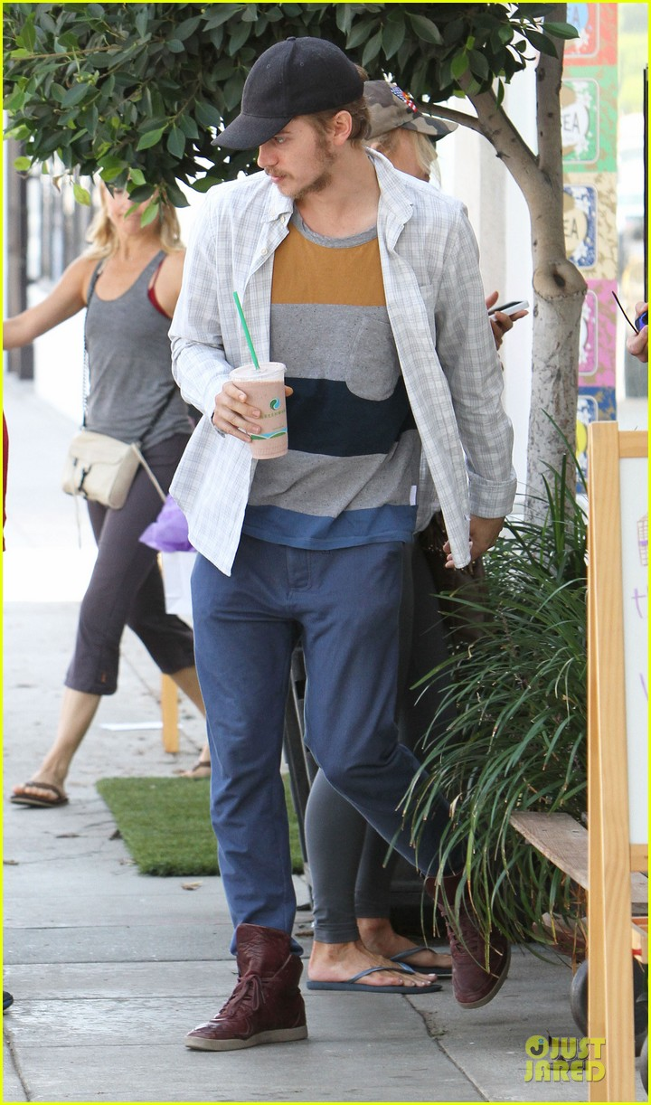 hayden christensen juice run west hollywood 072729391