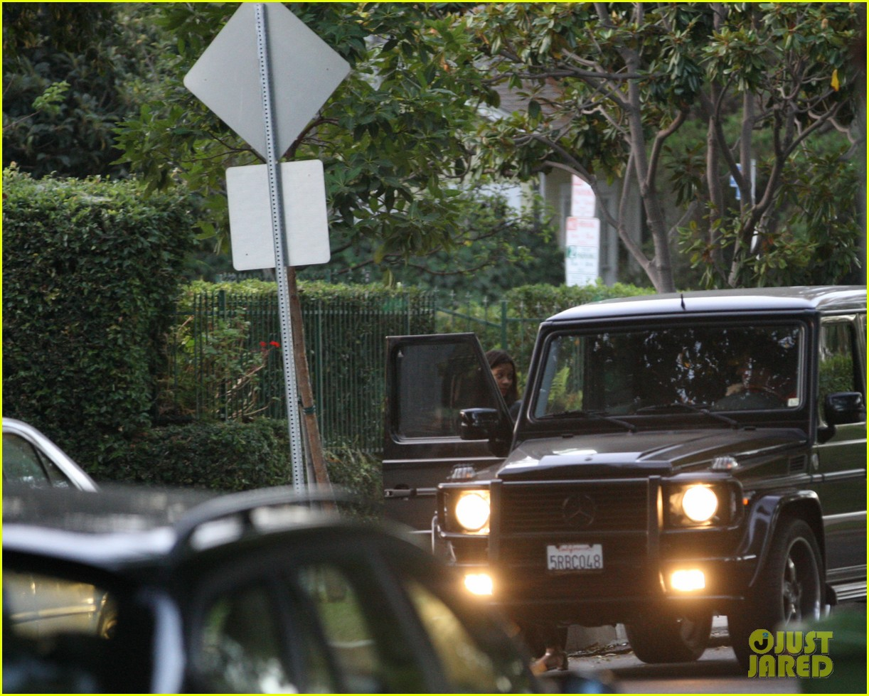 bradley cooper leaves zoe saldana house 062726430
