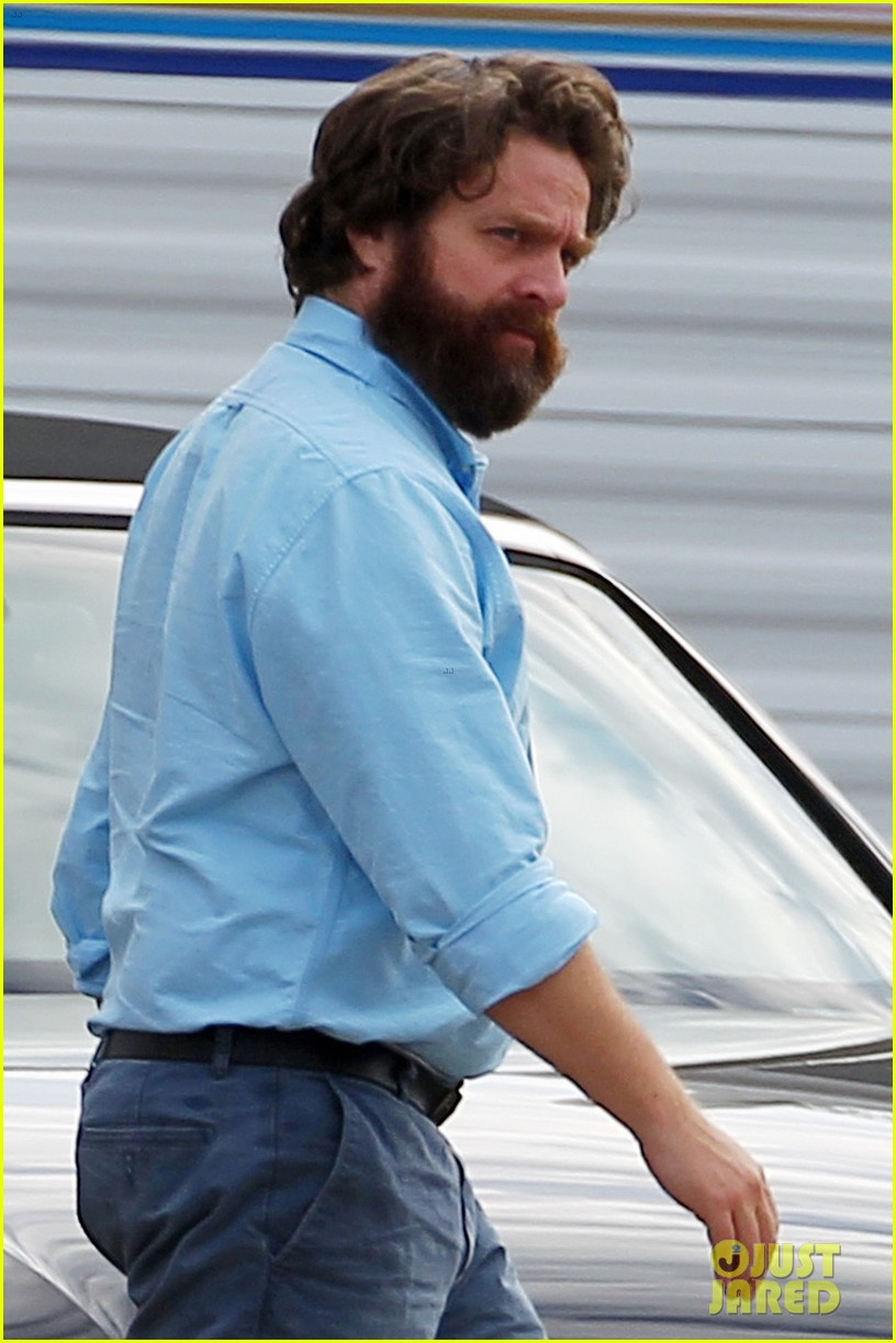 bradley cooper ponytail on hangover 3 set 03