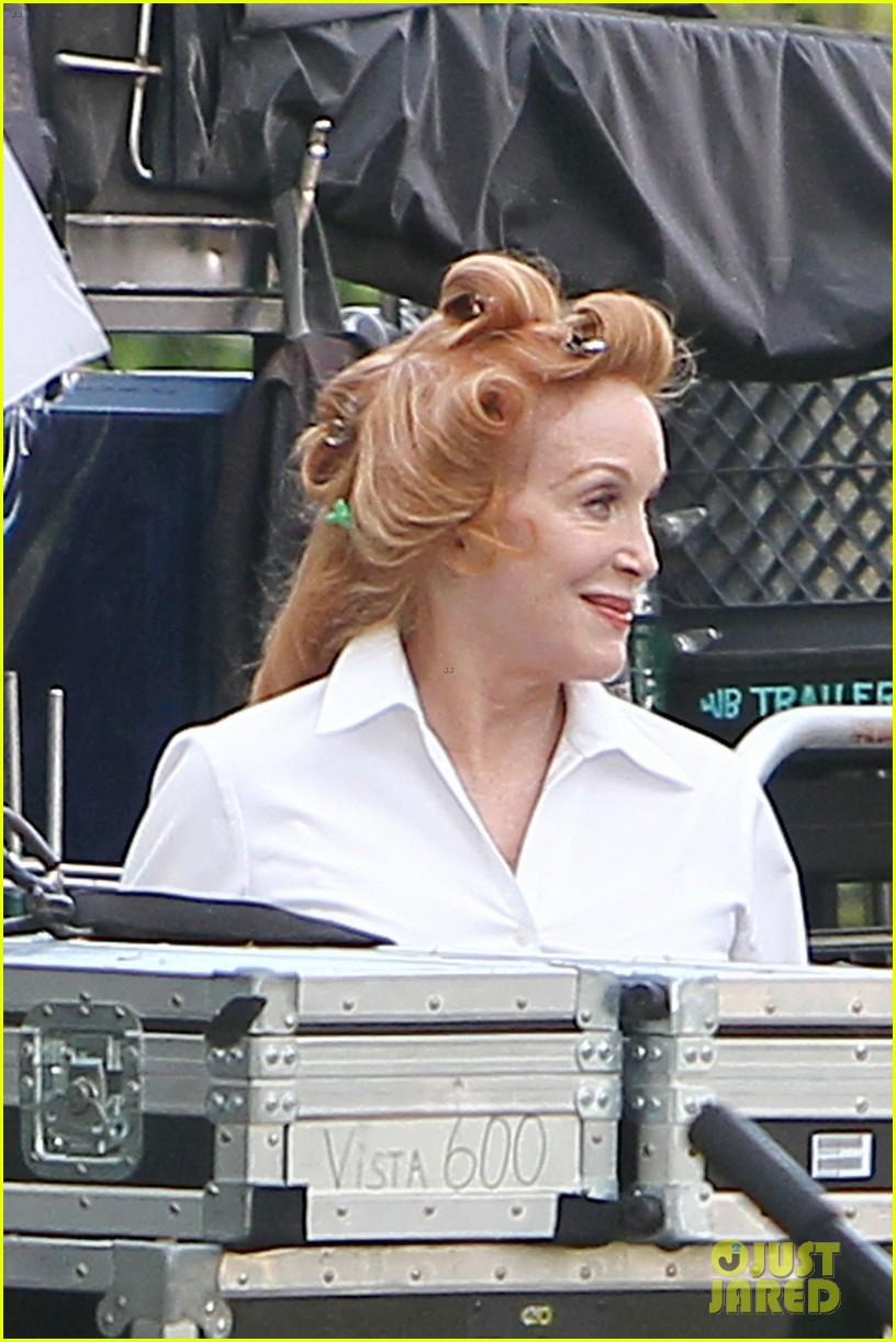 bradley cooper ponytail on hangover 3 set 102719434